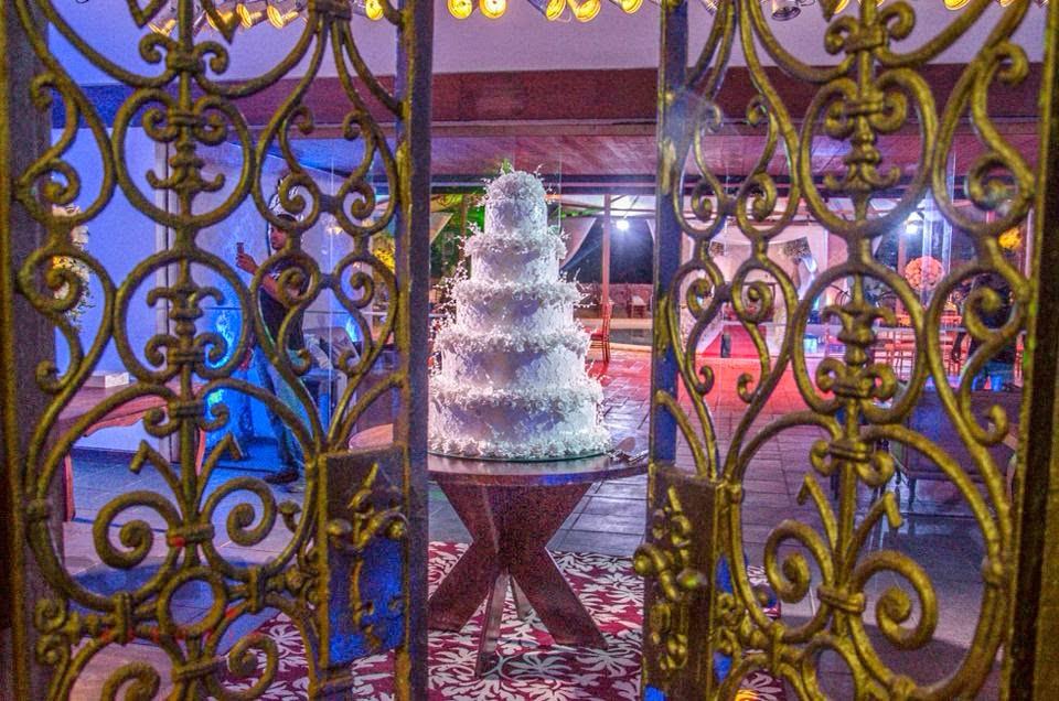 princesa-vestido-vera-wang-festa-bolo