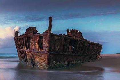 Eksotis! Inilah 7 Bangkai Kapal Karam Yang Sering Dijadikan Objek Wisata!!