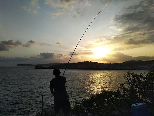 Nelayan di Tanjung Ringgit, sumber ig @belitasnim