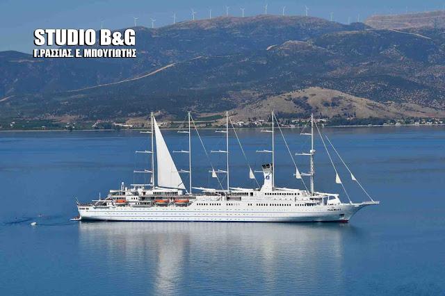 Το πεντακάταρτο κρουαζιερόπλοιο Club Med 2 στο Ναύπλιο (βίντεο)