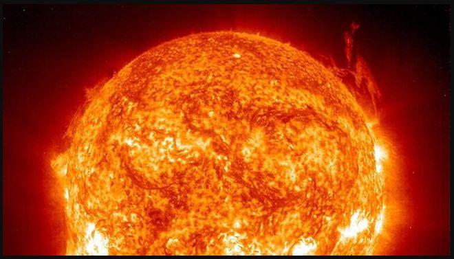 Tempesta magnetica sulla Terra: Eruzione Solare mette a rischio blackout telefoni cellulari e GPS