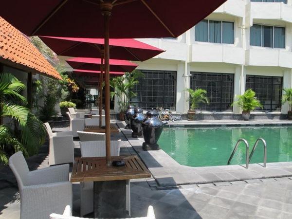 Kolam renang - Hote  Mutiara Yogyakarta Indonesia