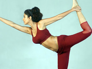 Shilpa Shetty Yoga Stills.jpg