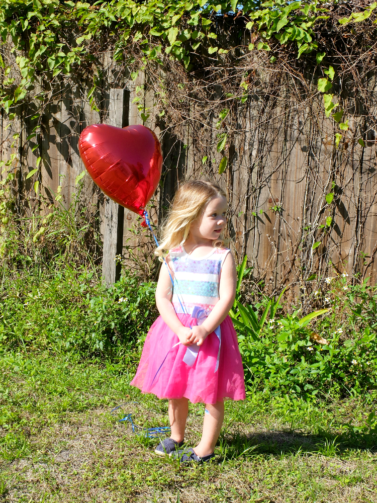Valentine's Day Mini Photo Session, Heart Balloon