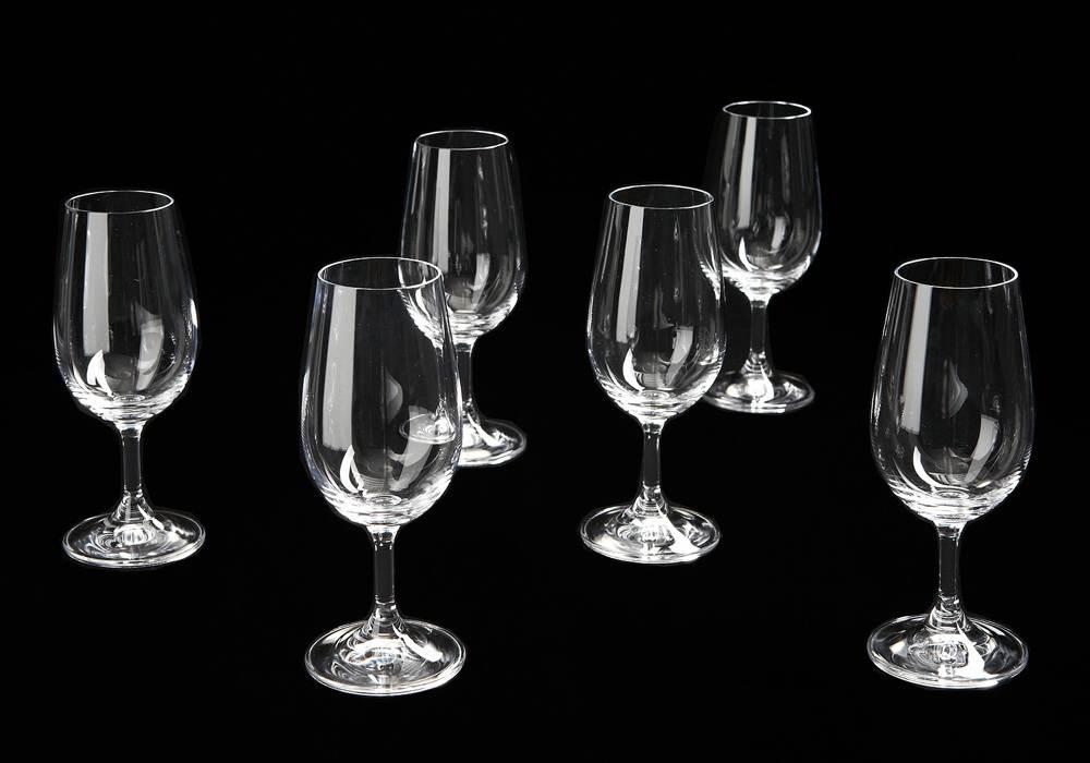 beaux vins quel verre vin choisir. Black Bedroom Furniture Sets. Home Design Ideas