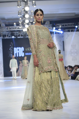 zara-shahjahan-designer-bridal-dress-collection-at-plbw-2016-15