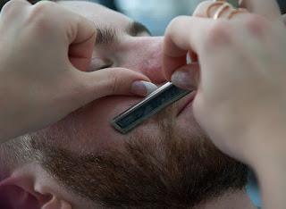 barber 3173419 960 720 - MEN'S SKIN CARE AT HOME
