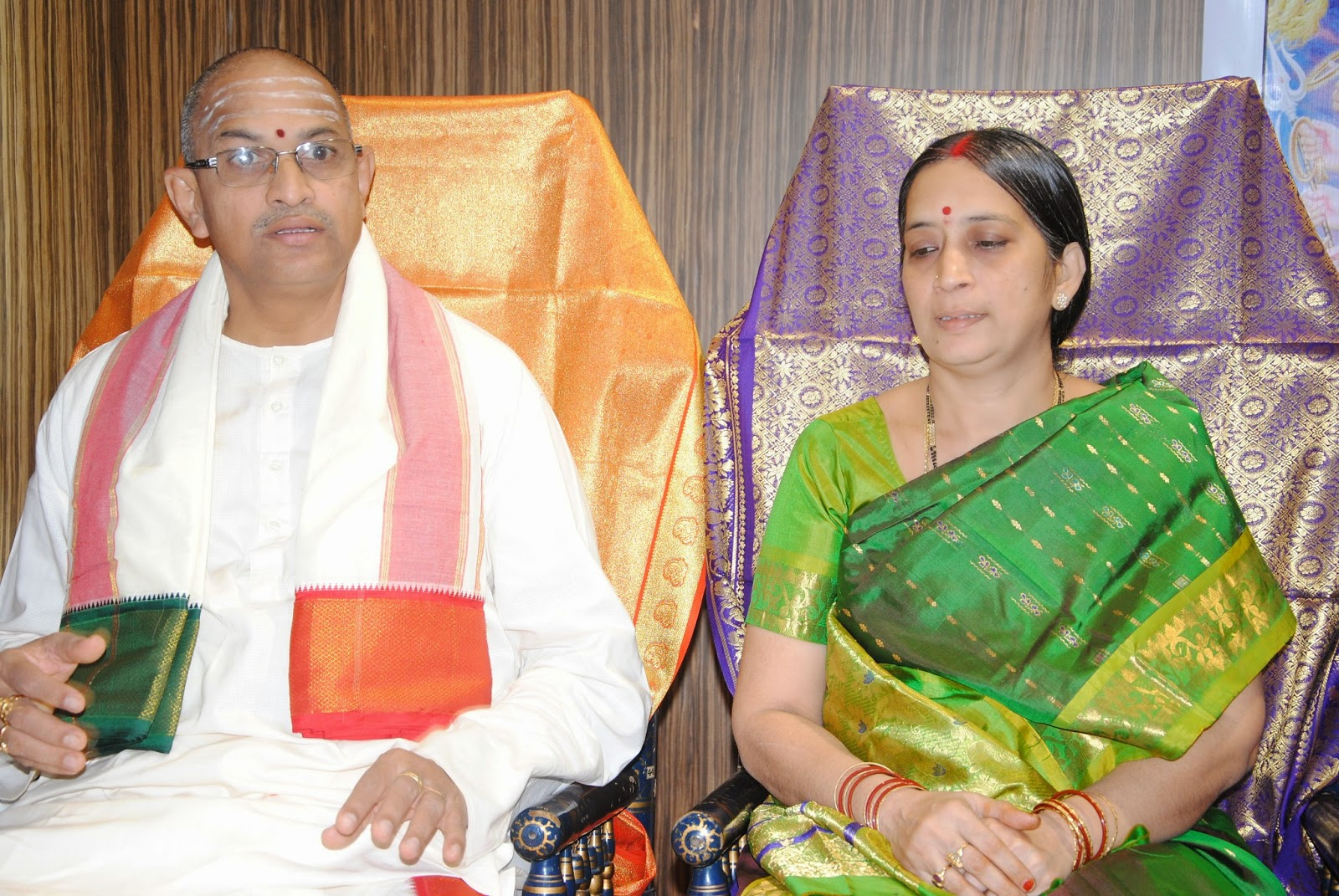 Chaganti Koteswara Rao with Srimati Subramanyeswary - HD family photos, images