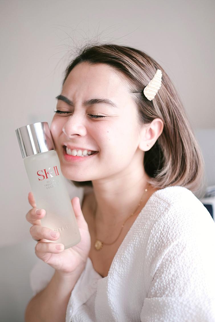 Kulit sebening kristal dengan SK-II Facial Treatment Essence dan kandungan PITERA™