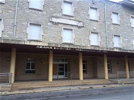 Entrada a la Residencia Arana