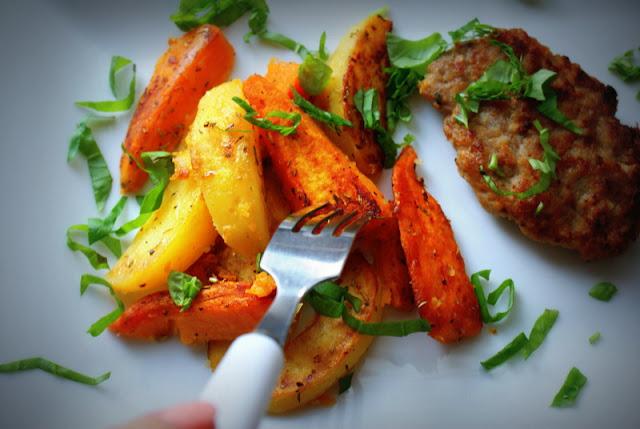 bataty,słodkie ziemniaki,mięso z indyka,kotlety mielone,jak zrobić kotlety mielone,co to jest batat,ćwikła,buraki czerwone,szybki obiad,