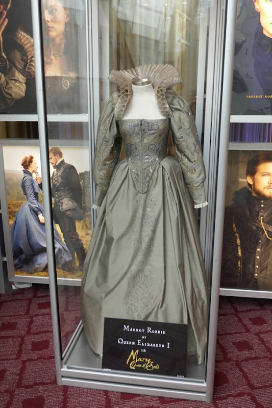 Margot Robbie Mary Queen of Scots Elizabeth I costume