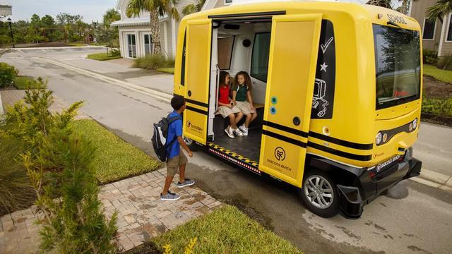 Bus Sekolah Tanpa Supir Telah Dioperasikan di Kota Ini