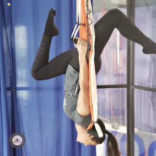 aeroyoga, yoga aereo, aerial yoga, air yoga, fly, flying, gravity, gravedad, columpio, swing, trapeze, anti, age, body, soul, rafael martinez