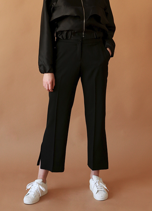 Side Slit Detail Cropped Slacks