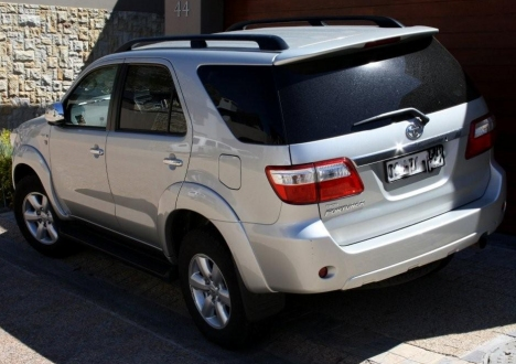 Toyota fortuner Service manual