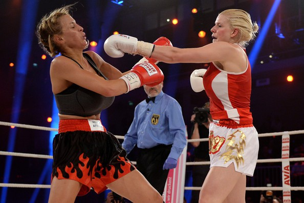 jordan-carver-vs-melanie-muller-boxing-fight-11