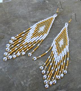купить белые с золотым серьги из бисера ручной работы нежные украшения ру