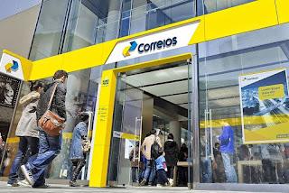 Funcionários dos Correios aprovam estado de greve por sete dias