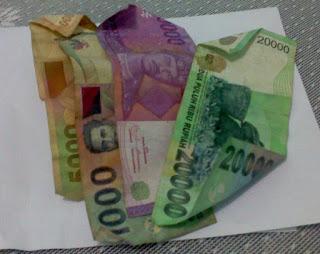 gambar uang sedikit atau rendah dalam mata uang rupiah yang masih termasuk kualifikasi harga murah