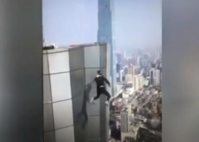 Jatuh dari Lantai 62, Pria 'Penantang Maut' Tewas Mengenaskan, Ini Videonya