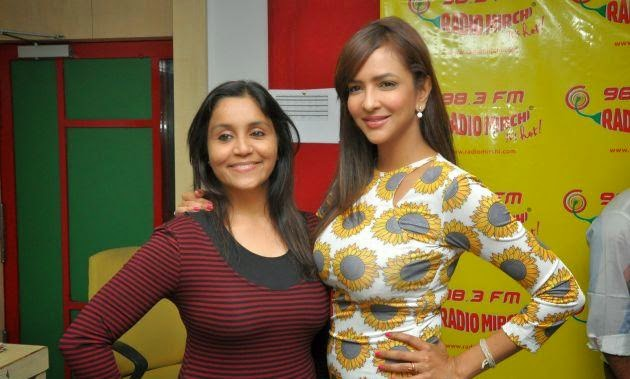 Dongata Team at Radio Mirchi photos