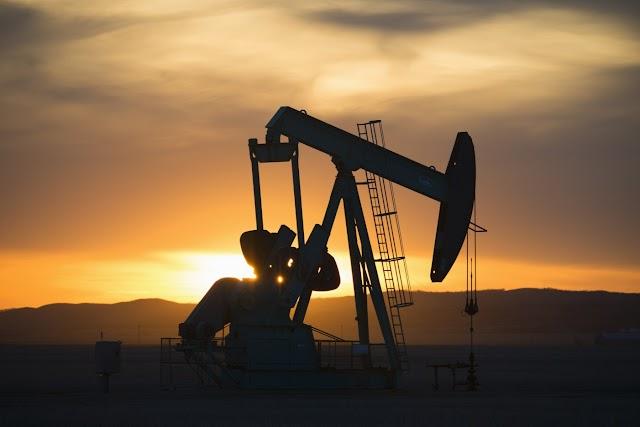 Kuvait mintegy 2,8 millió hordó olajat termel naponta