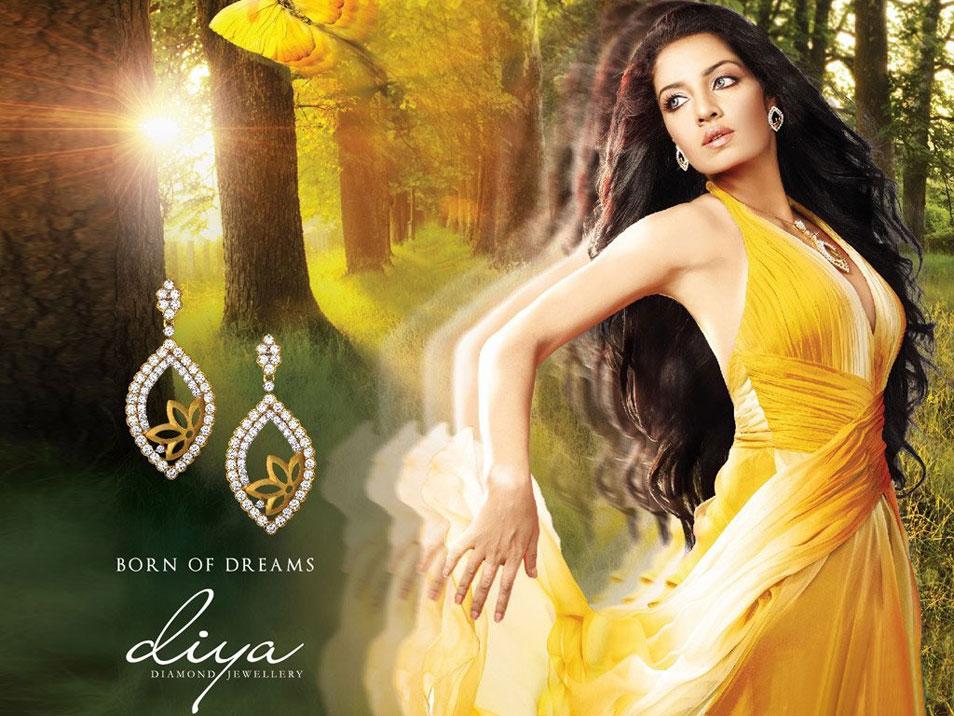 Sensoblog Bollywood Sexy Boom Celina Jaitley Hot Pics-9107