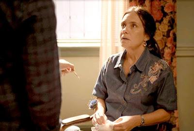 Thelma (Adriana Esteves) fica em pânico com descoberta de Danilo 'Amor de Mãe'