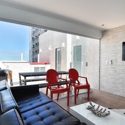 ► os apartamentos que hospedam Alessandra Ambrosio e Adriana Lima no Rio. Conheça...