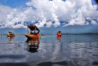 Dal Lake Facts in Hindi