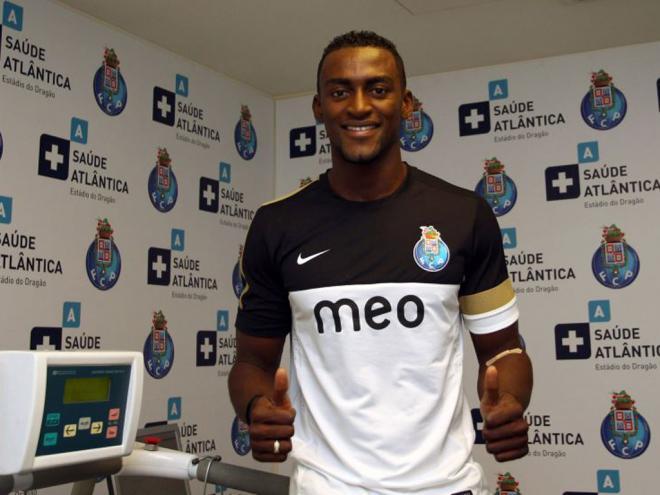 e55ecb18cc Apostas Desportivas Online - Aposta X  Novos equipamentos do FC ...