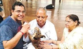 Vijay Shekhar Sharma Family Wife Son Daughter Father Mother Age Height Biography Profile Wedding Photos
