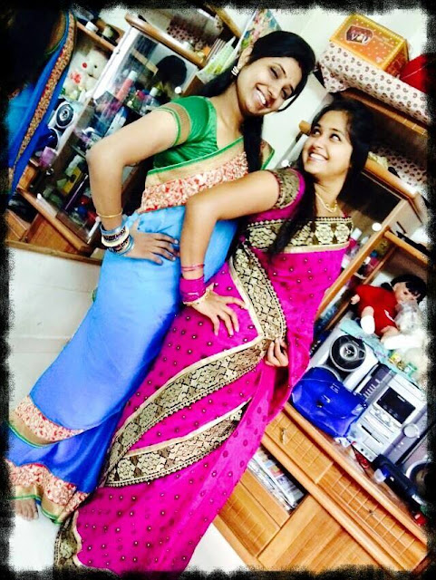 Kajal Raghwani Family Photo with Mother, Father, Brother, Sister and Other Pictures