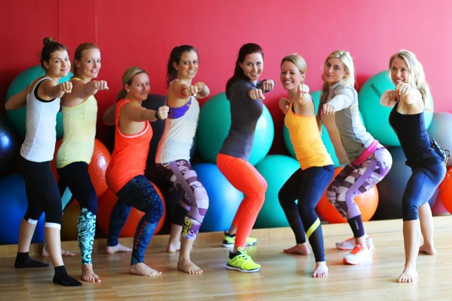 sport blogger fitness girls workout