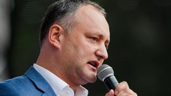 Moldávia foi às urnas neste domingo, em uma corrida presidencial que pode impulsionar um candidato socialista pró-russo ao poder, depois de uma relação de confiança minada por bilhões de dólares e um escândalo de corrupção nos políticos que querem estreitar os laços com o Ocidente