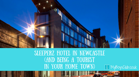 Staying at Sleeperz Hotel in Newcastle (And being a tourist in your home town) (REVIEW)