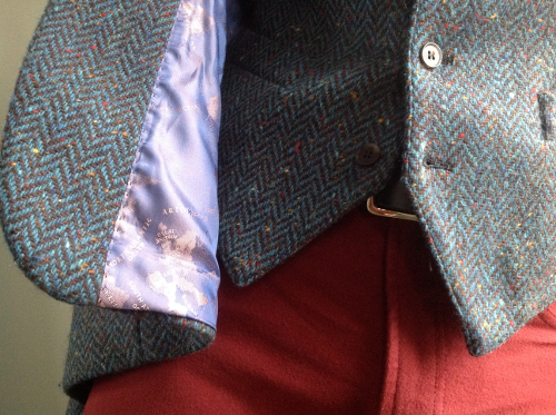 4beddfc1a6c464 The rusty red is not difficult to combine either and looks very good with  creamy tattersall shirts.