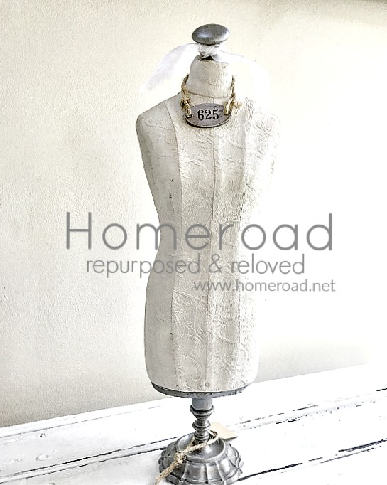 DIY mannequin to hang jewelry