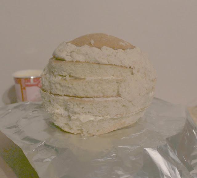 shaping cake