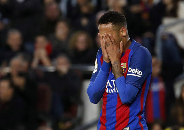 Neymar  acumula 991 minutos em campo sem marcar gols pelo Barcelona Foto: EFE/ Alberto Estévez