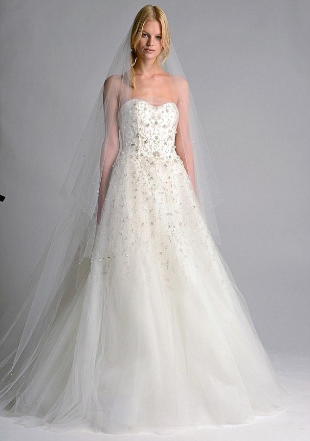 Behati prinsloo adam levine marriage bridal and wedding gowns behati prinsloo considered wedding dress junglespirit Images