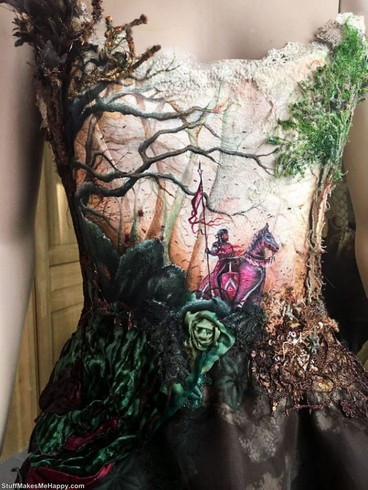 Dress based on the illustration of Didier Graffet