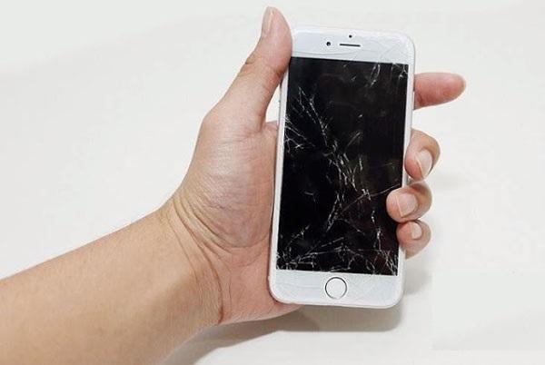 khi nào cần thay mới màn hình iPhone 7