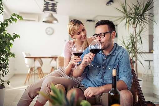 Beneficios (inusuales) del vino tinto para tu salud