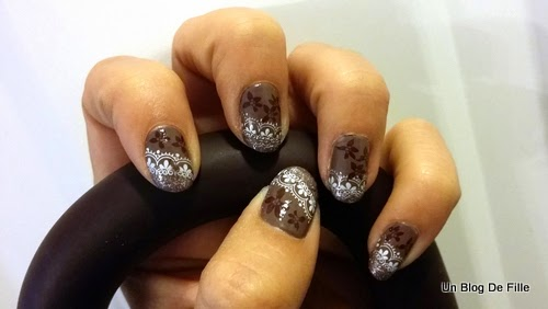 http://unblogdefille.blogspot.fr/2014/12/nail-art-stamping-dhiver-nailstorming.html