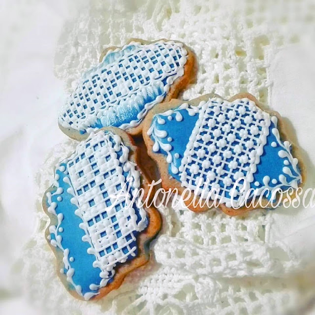 Biscotti filet royal icing