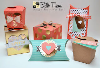 Mini Favor boxes=too cute for words!