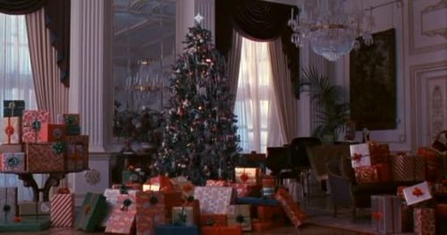 Plaza Hotel Room In Home Alone