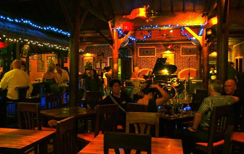 Zappaz Piano Bar & Grill (Seminyak, Bali) | Jakarta100bars ...